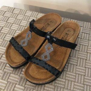 Naot Black Sandal Size 35
